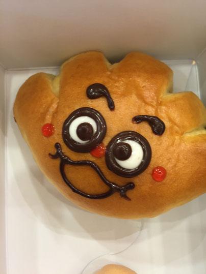 アンパンマンミュージアムで売っているアンパンマンキャラクターのパンは文句無く美味