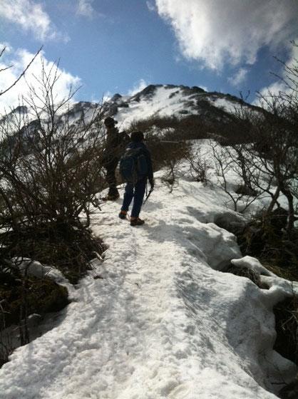 遠くて近い、、近くて遠い、、それが登山、。