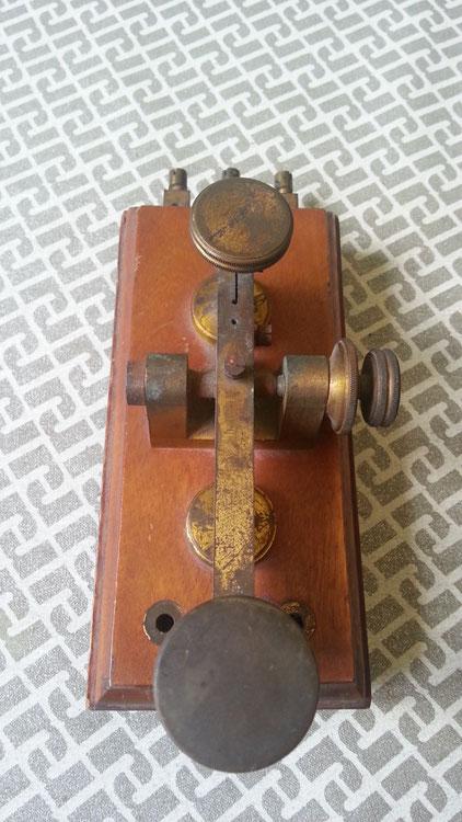 Classico tasto telegrafico postale Italiano.