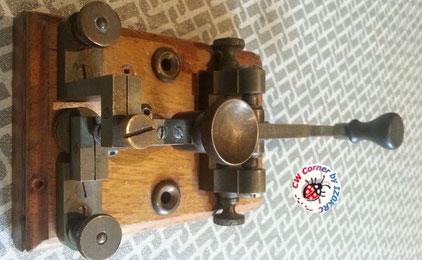 Very eraly Lindholm & Wikstrom morse key
