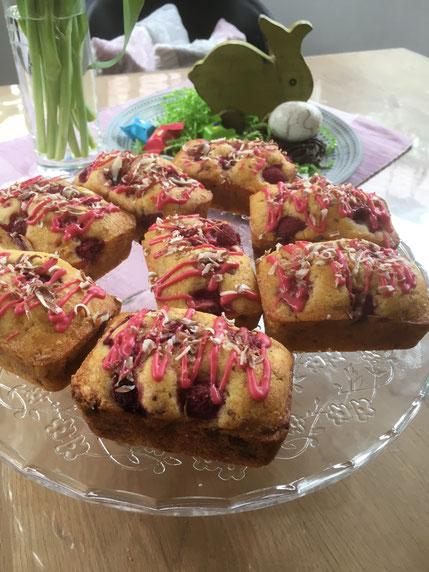 Mini Kuchen mit Himbeeren aus der Kuchenform von Pampered Chef