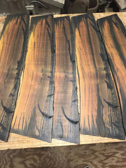 木肌表面のワレが内部にどのように進達するかの図