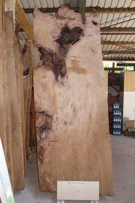 Kauri Tischplatte unbearbeitet als Rohling für großen Holztisch Esstisch handgefertigt nach individuellen Kundenwunsch