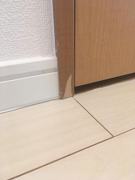 枠の傷補修、お家のキズ補修・住宅建材リペア なら箕面市のイエリペア!フローリングのキズや床のシミ補修、アルミサッシ、樹脂サッシ、アルミてすり、門扉、玄関ドア、石材
