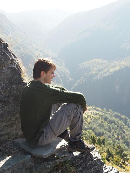Aussicht genießen am letzten Tag meiner Wanderung in der Annapurna-Region