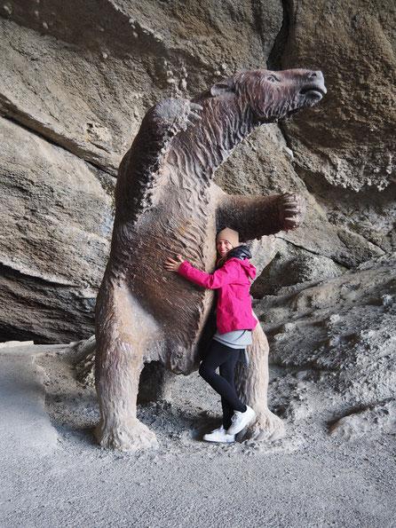 Das Riesenfaultier in seiner Höhle: Das Mylodon
