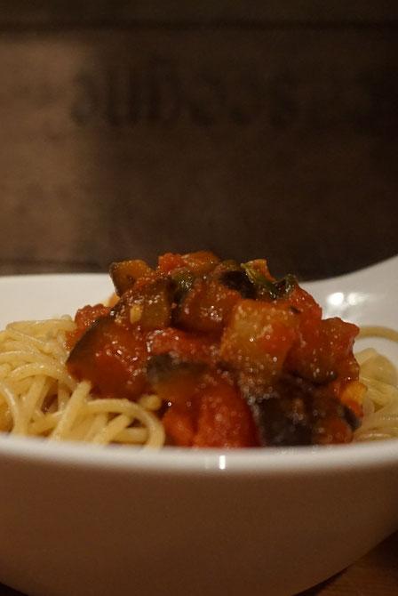 rezept jamie oliver sizilianische pasta alla norma tuerkische rezepte foodblog. Black Bedroom Furniture Sets. Home Design Ideas