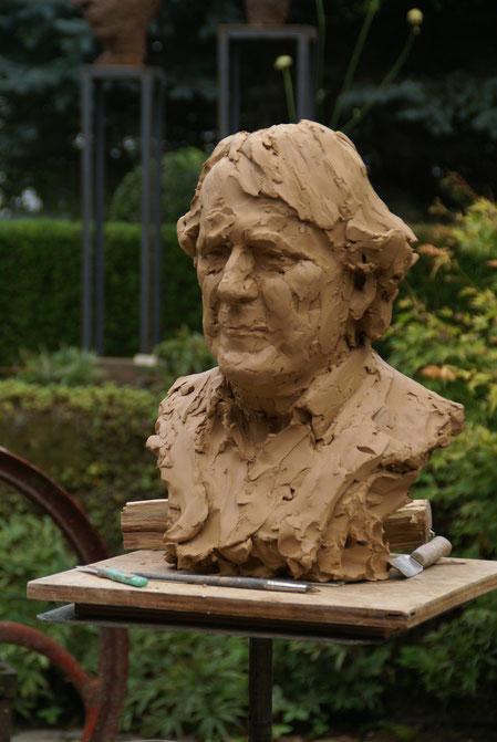 Koppig Limburg gezamenlijke boetseer-sessie tijdens Last rose of summer, Wanda Reiff Bemelen