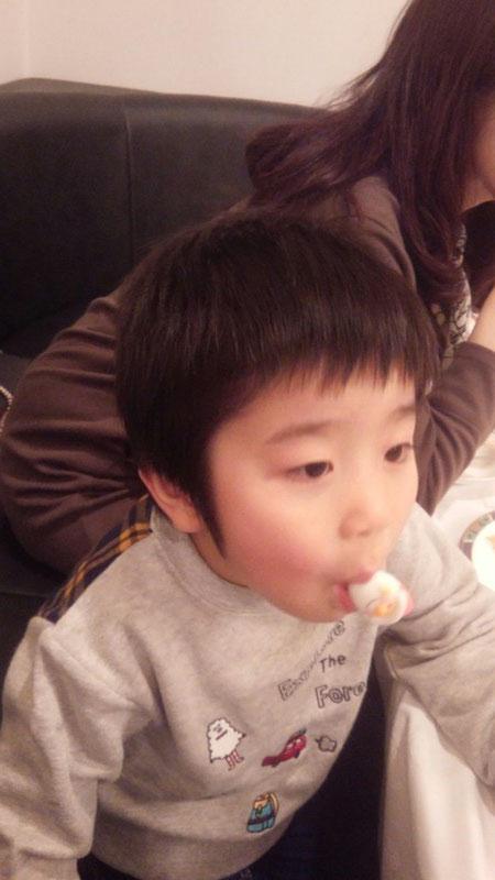 社長の息子誕生日の写真