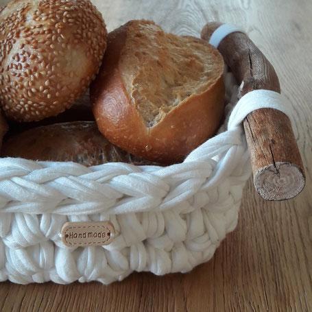 Gedeckter Tisch- Brotkorb Birk wollweiss - handmade