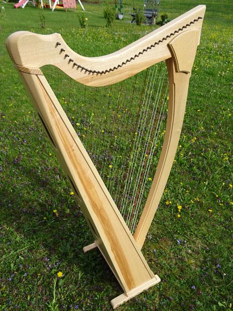 Harfe aus Esche