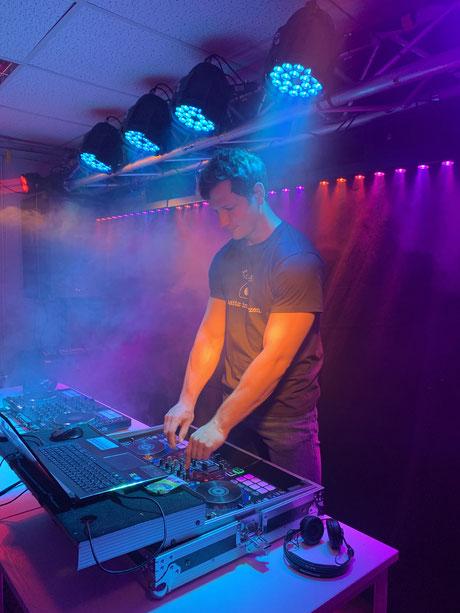 Homeclubbing, DJ Tobi, DJ Tobi Musik