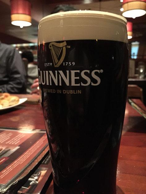 私も海外では少しはめを外してビールも頂きます。ギネスが好きなのです。