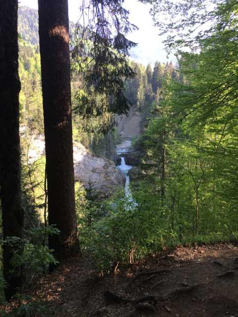 Wasserfall beim Familienausflug