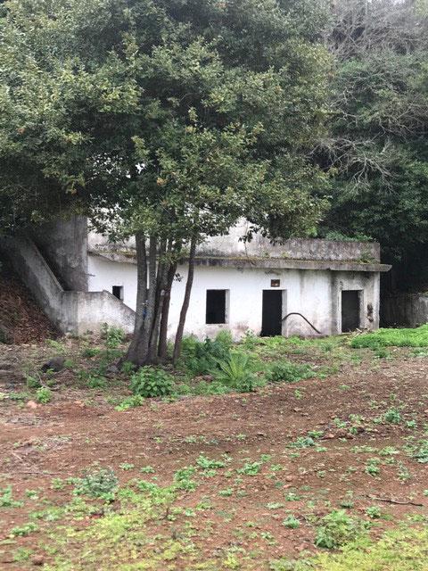 Ein altes Wasserhaus, welches nicht mehr in Betrieb ist