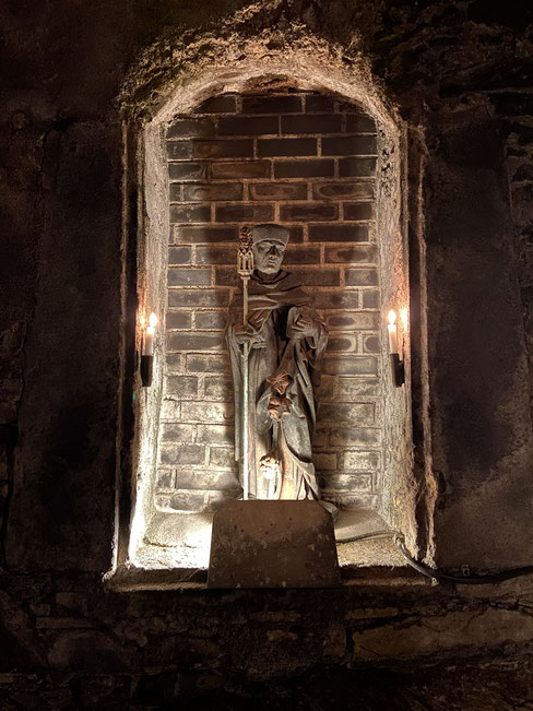 Statue of a Bishop - cellars of Schloss Johannisberg (Rheingau, Germany)