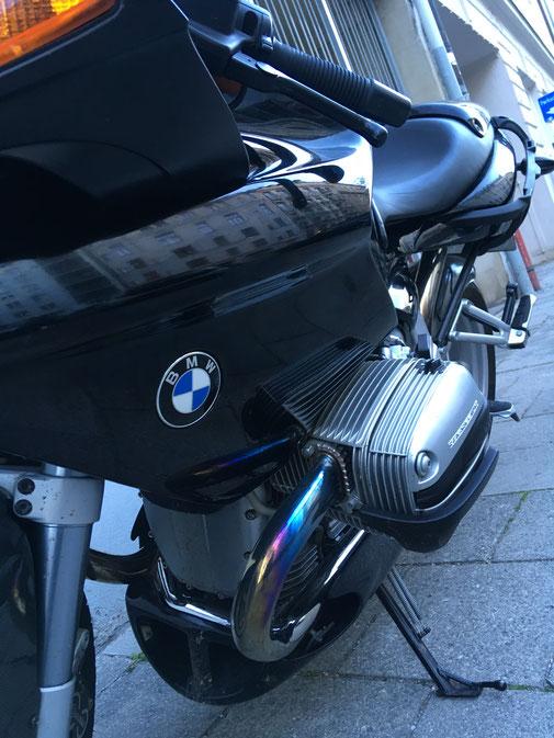 BMW R1100S - fährt gut und hört sich dazu noch excellent an.