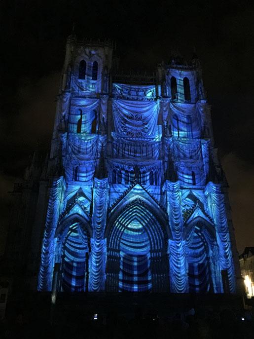 Alors, ça, c'était magique : le spectacle des illuminations de la cathédrale !