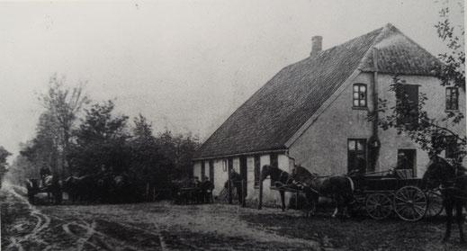 Wohnhaus mit Dampfmühle (um 1900)