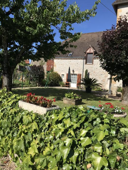 Gîte La Grange  46G 12526 (6 personnes) côté jardin