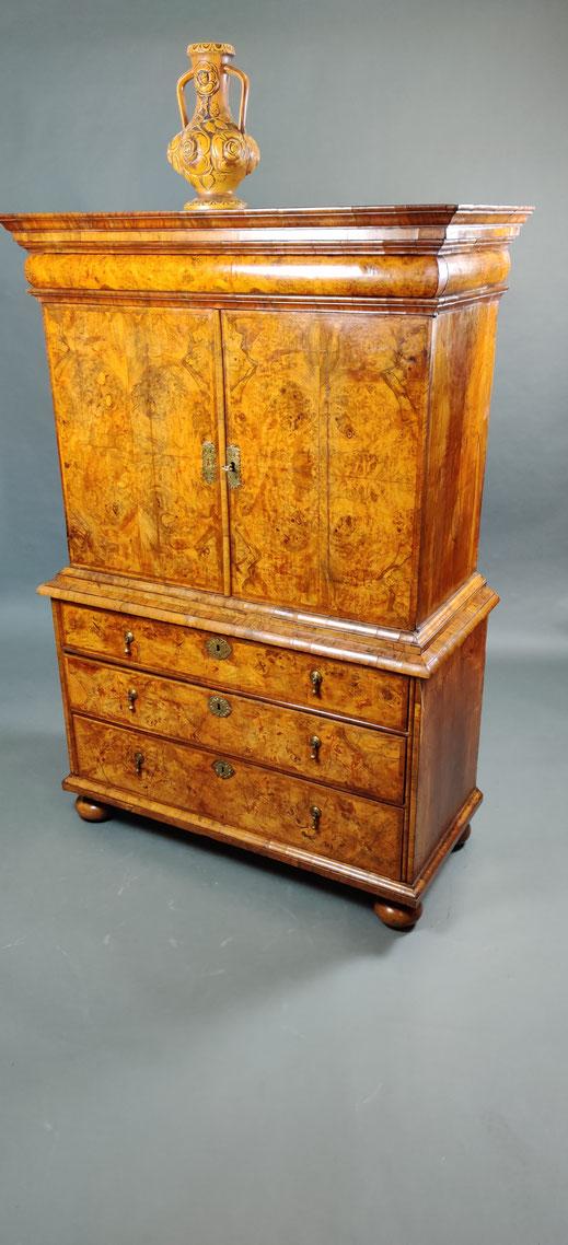 Schrank Antiquität England Cabinet on Chest