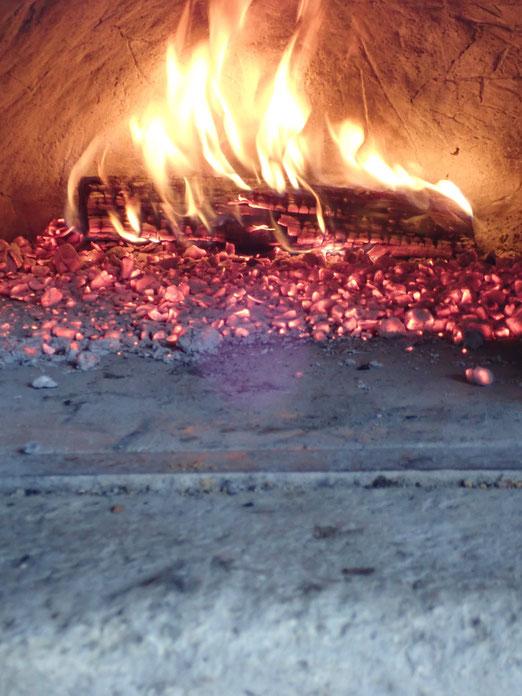 石窯でシュトーレンを焼く「すどう農園」の農業体験イベント