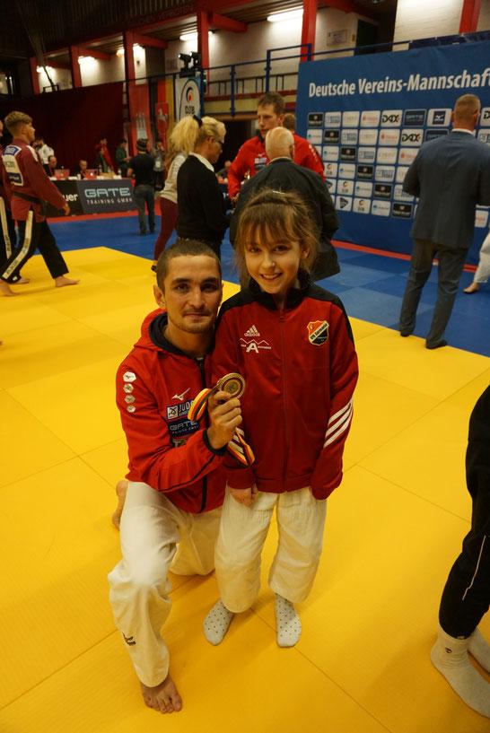 Hannah Duve mit dem Deutschen Meister Juri Krakovetski.