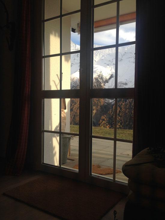 und nochmal Aussicht vom Sofa aus (ojemine, wer hält mir mal einen anständigen Fotografen zu?).
