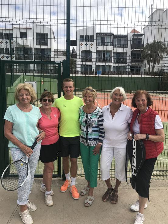 Unsere Seniorinnen besuchten TCLR-Trainer Jonas im April auf Fuerteventura