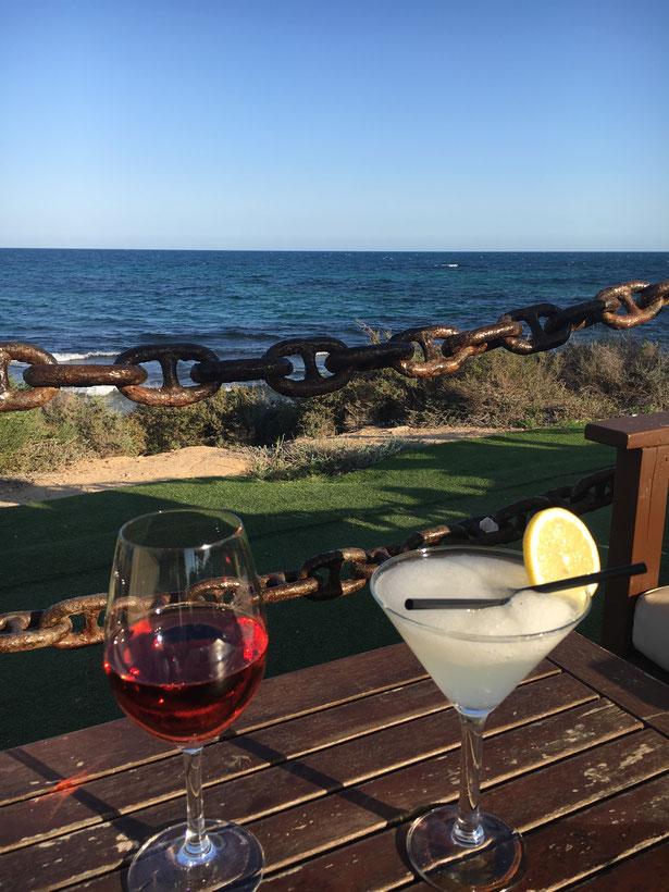 """Im """"Hausbuch"""" finden Sie viele Tipps zum Casa Laguna, zu Restaurants und tollen Kneipen. Bild: Restaurant Nautilus"""