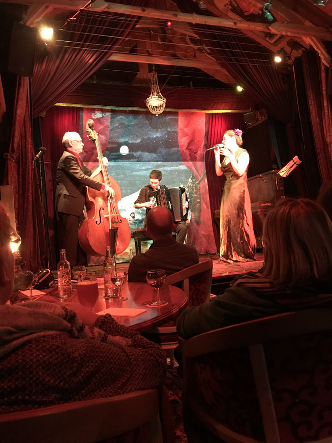 Thomas Dürst Trio at Herzbaracke: Sibyl Hofstetter voc, Lea Gasser acc, Thomas Dürst b