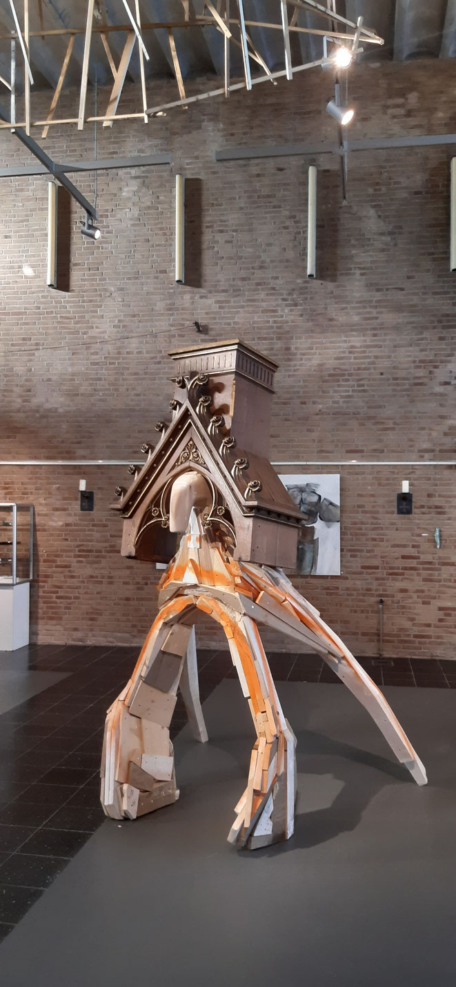 Mariaschrijn in museum Nagele 2020 met de expositie ACHT van Beeldhouwers.nu