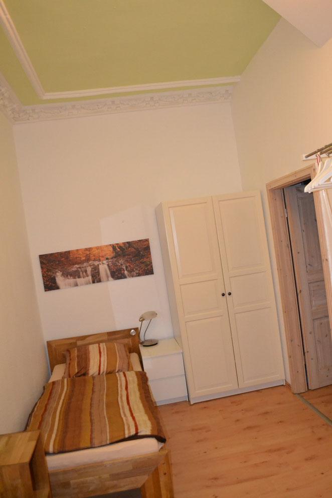 Hallunke - Schlafzimmer neu 2021 - Einzelbett 90/200 Eiche /Kleiderschrank