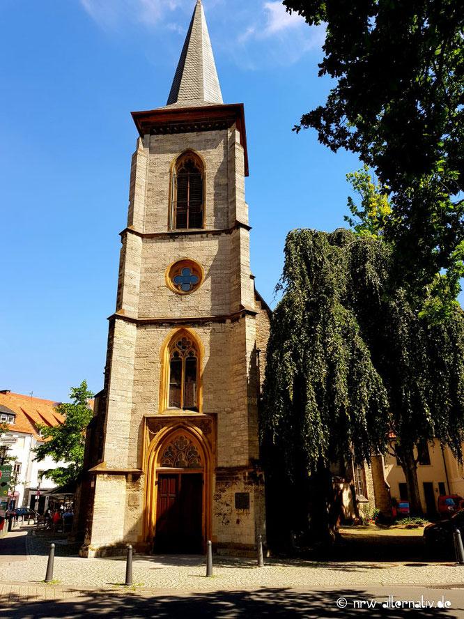 Hier seht ihr ein Bild einer Kirche in Bielefeld.