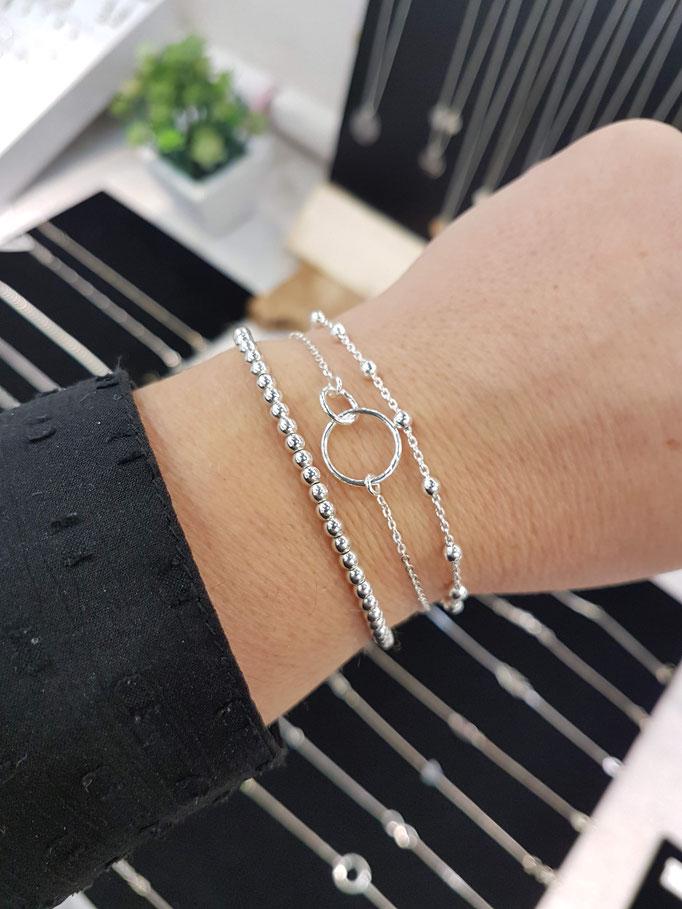Trio de bracelets en argent accumulation