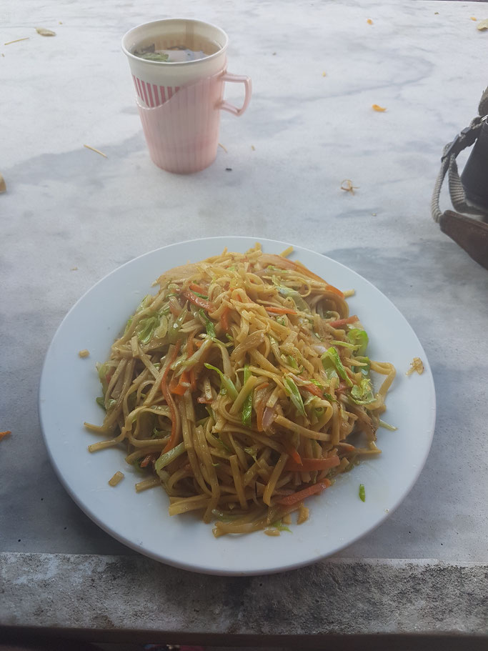 Vegetable noodles for breakfast