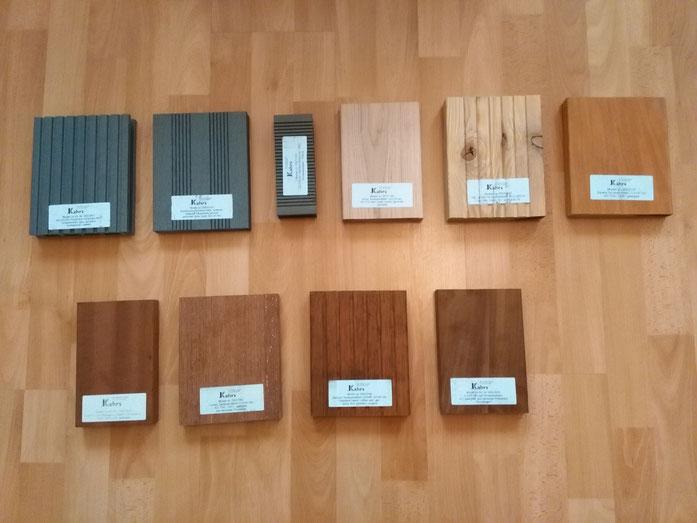 Von links oben nach rechts unten: WPC grau, Bambooplus hellgrau, WPC Patina, Eiche, sibirische Lärche, Garapa, Mahagoni, Cumaru, Bambus, Ipe