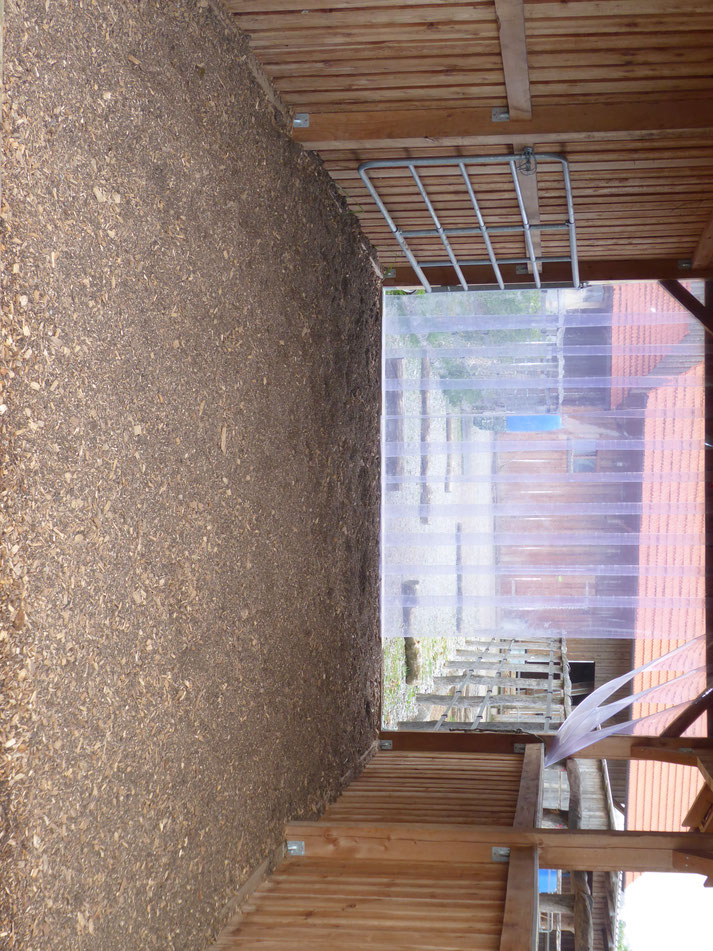 stall und unterstand paddock trail offenstall stuber. Black Bedroom Furniture Sets. Home Design Ideas