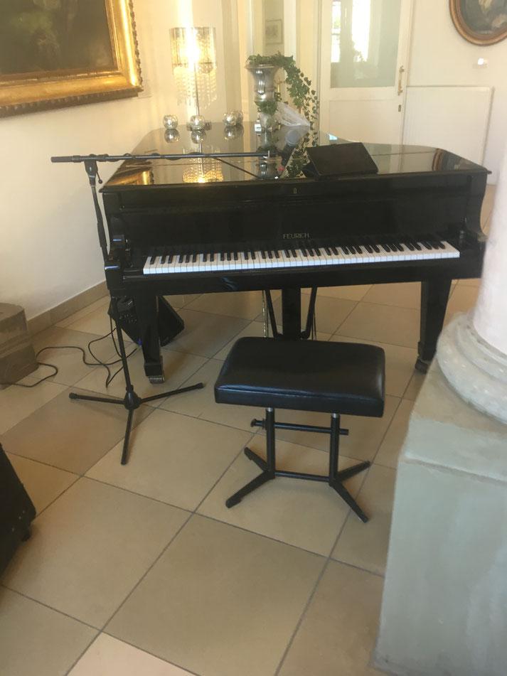 Arbeitsplatz von Pianist und Sänger Florian Geibel