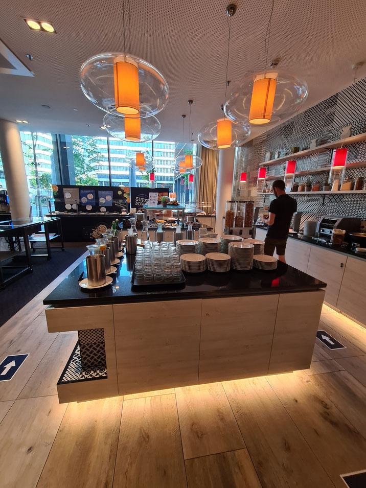 Frühstücksbuffet mit Super Bowl Bar