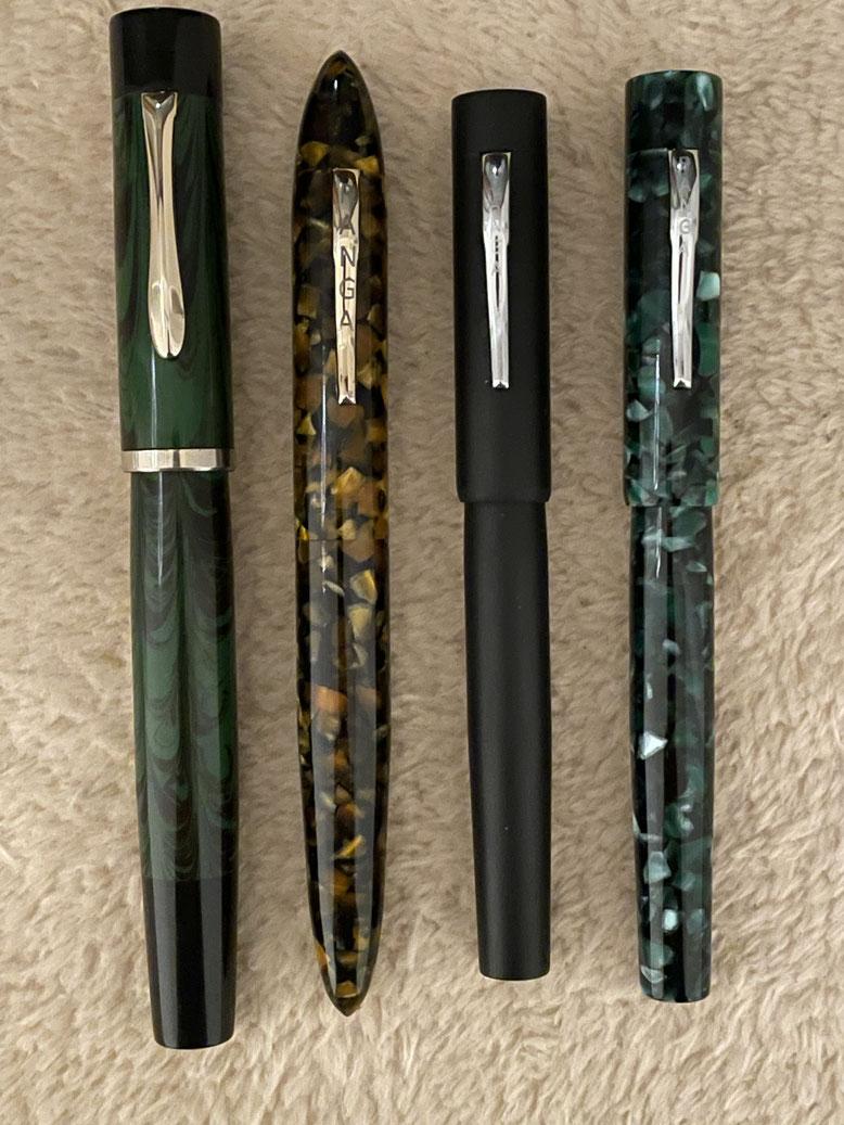 Von links: Ranga Majestic in Ebonit glänzend, Ranga 9b in Acrylglas glänzend, Rangs 3 in Ebonit matt und Ranga 3 in Acrylglas glänzend
