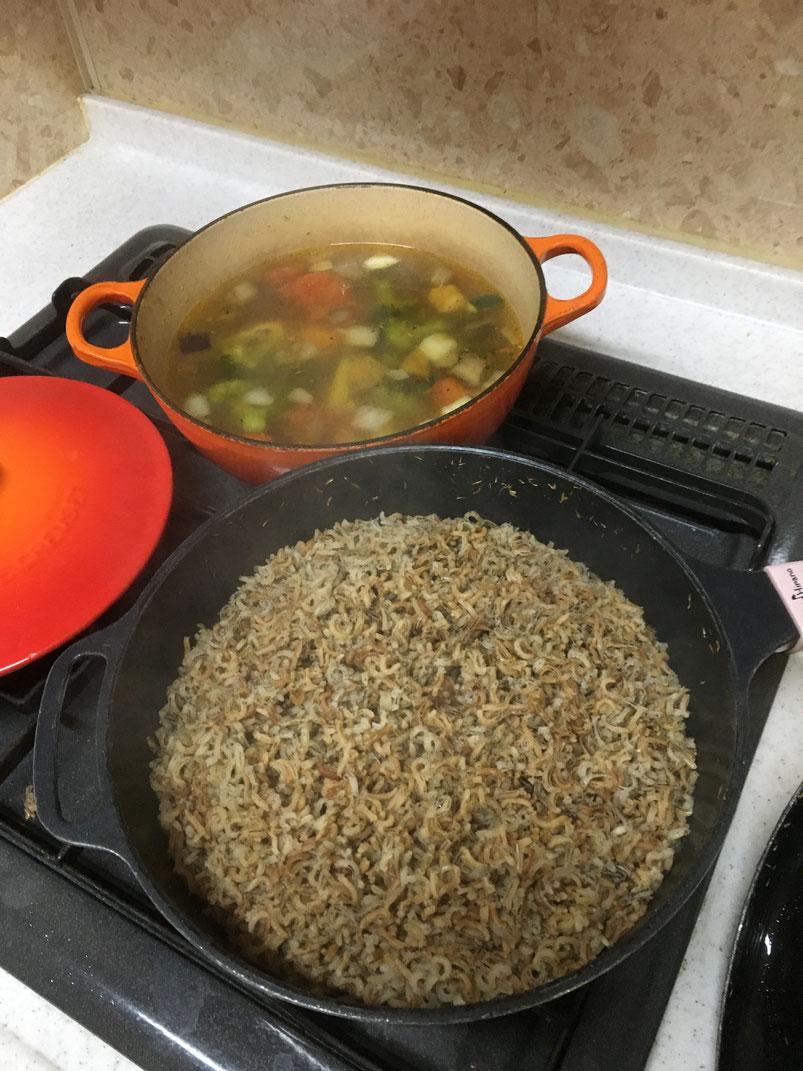 約30分で出来上がり 奥のはアレルゲンフリーの野菜スープ