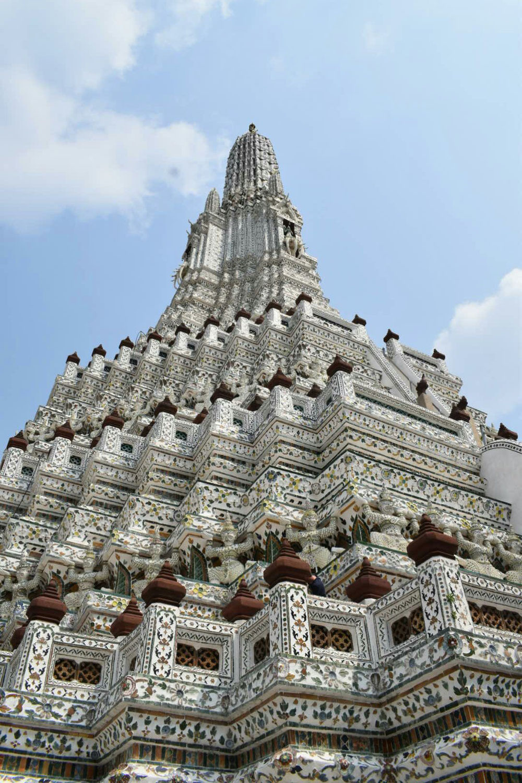バンコク3大寺院の1つであるワットアルン。別称は「暁の寺」である。三島由紀夫の遺作「豊穣の海」の第3巻でこの寺を舞台とした「暁の寺」を発表した