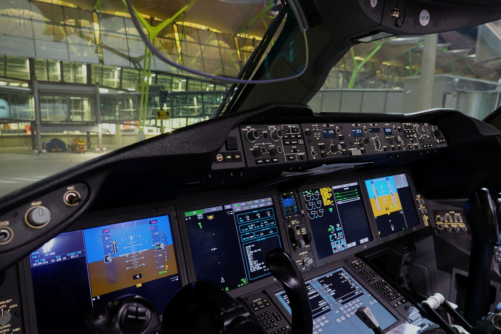 The cockpit of CC-BGB after arrival in Madrid
