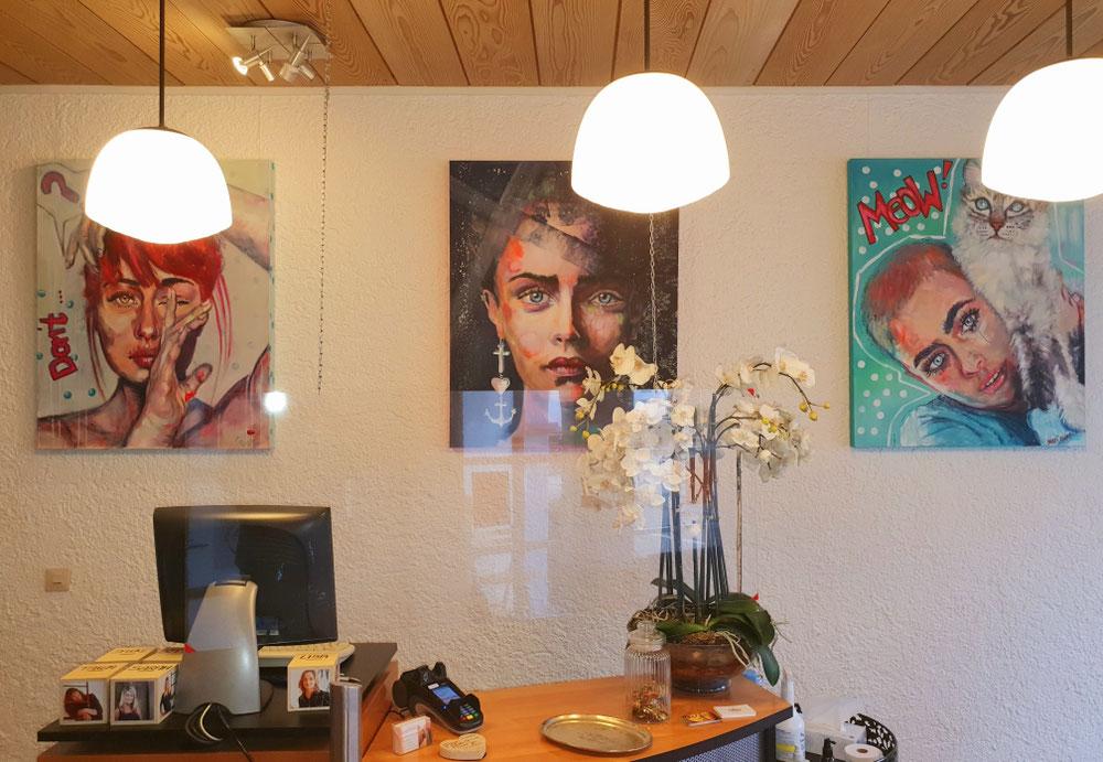 Dauerausstellung im Friseursalon Haargenau in Bietigheim