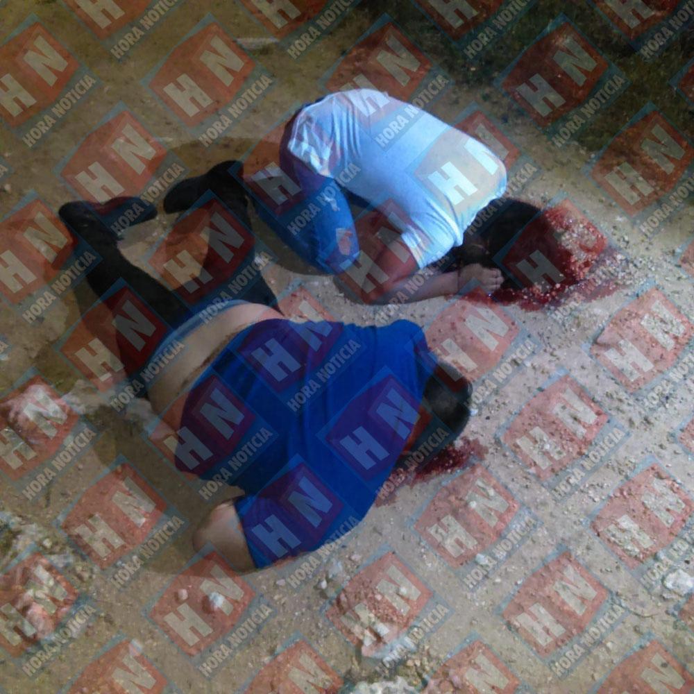 Los cuerpos de los jóvenes estudiantes.