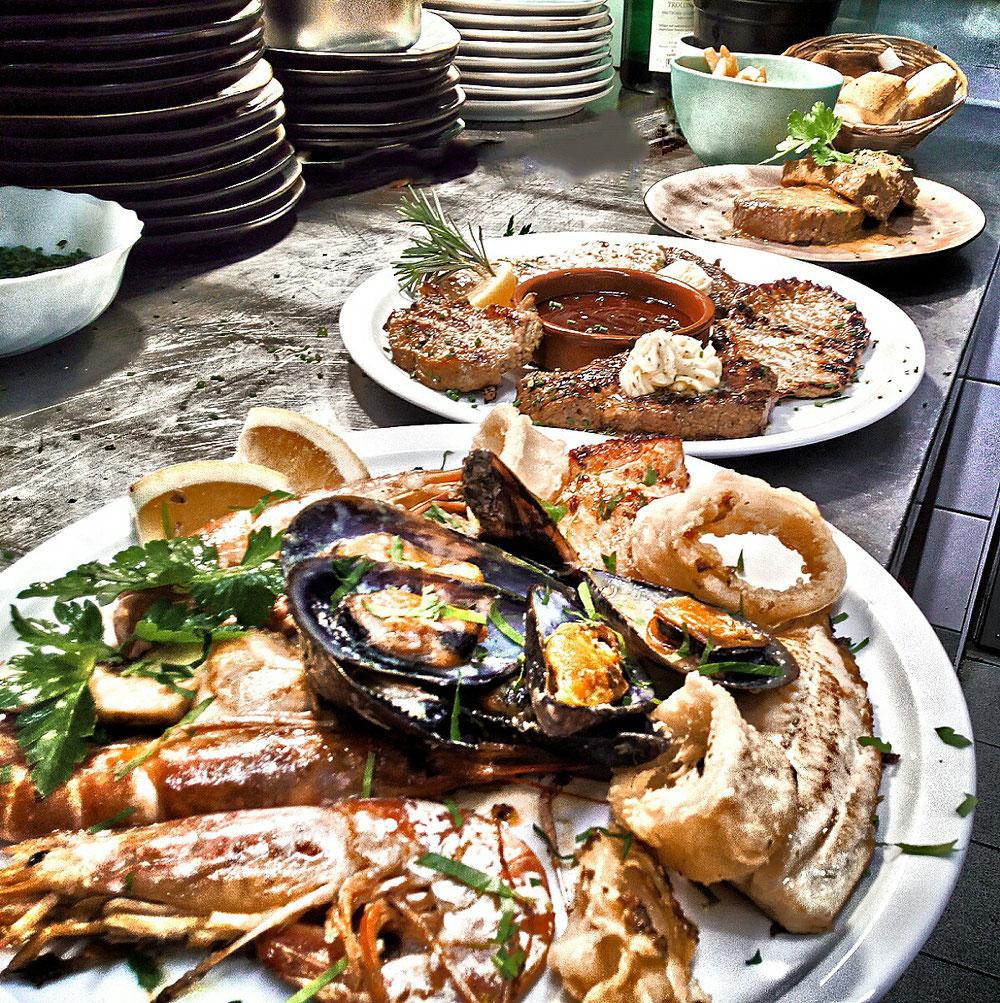 Fischteller, Steakteller, Rinderfilet in Gorgonzolasauce