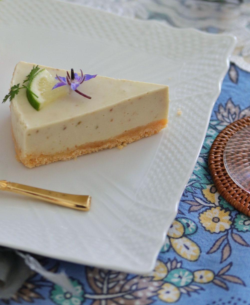 アボカドのレアチーズケーキ