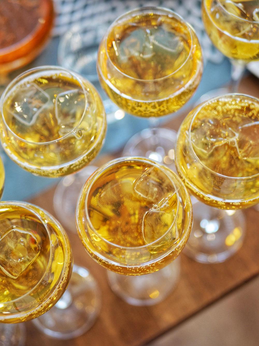 ヌワラエリヤでシャンパンをイメージ
