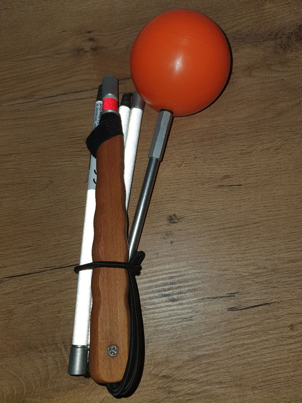 Gefalteter TF 25 mit der orangenen Schneekugel